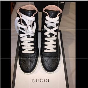 GUCCI SNEAKERS.... AUTHENTIC